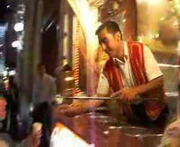 Продавец мороженного в Стамбуле (4.471 MB)