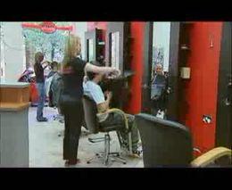 Прикол в парикмахерской (4.114 MB)