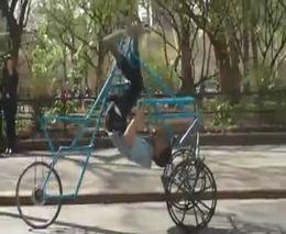 Странный велосипед (2.209 MB)