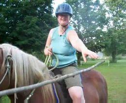 Лошадка и морковка (6.569 MB)