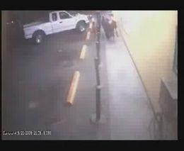 Девочку спасли стобики на парковке (2.619 MB)
