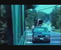 Неудачный прыжок из машины в воду (2.027 MB)