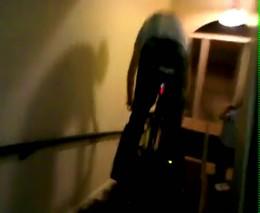 Скатился с лестницы на велосипеде (1.754 MB)