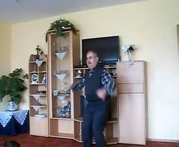 Отлично танцует (8.596 MB)