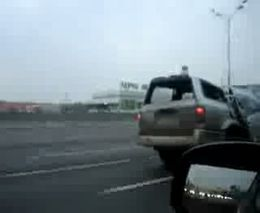 Китайский SUV еще на ходу (2.160 MB)