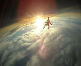 Свободный полет на огромной высоте (5.661 MB)