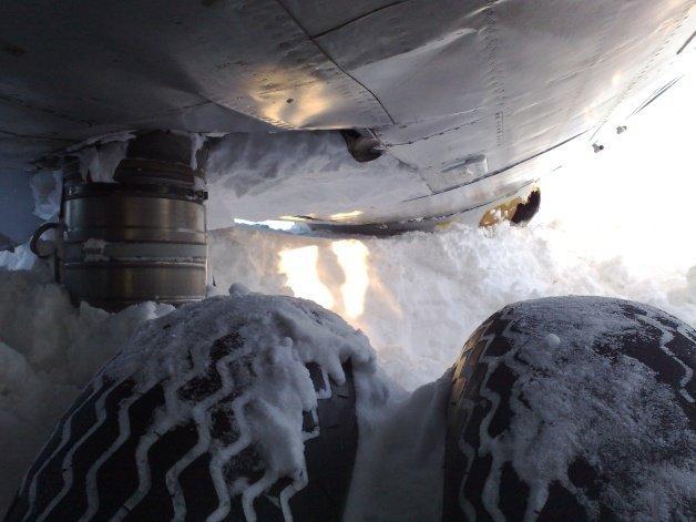Посадка на снег (10 Фото)