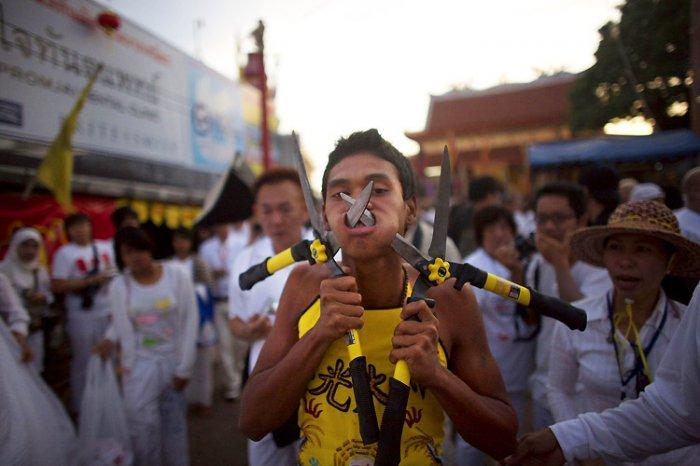 Какой-то фестиваль в Тайланде (15 фото)