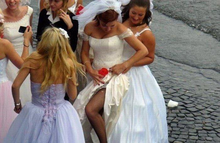 Пикантные свадебные фото (29 фото)