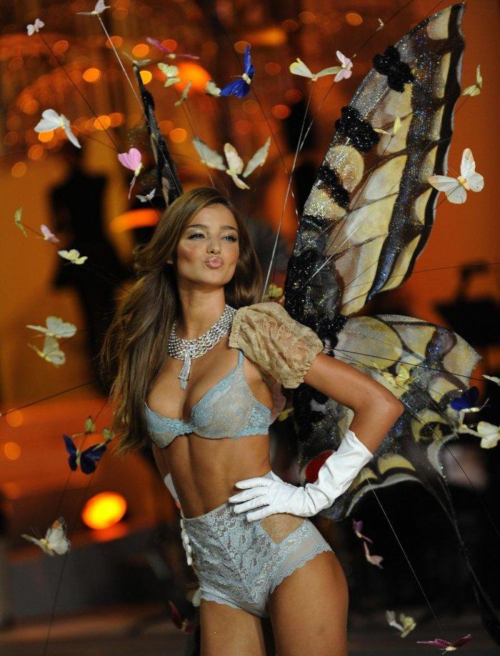 Шоу моды Victoria's Secret (20 фото)