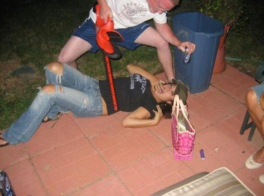 Пьяные девушки (21 фото)
