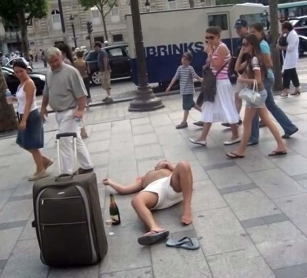 10 признаков того, что пить уже хватит (10 фото)