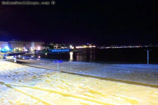 На лазурном берегу Франции выпал снег (15 фото)