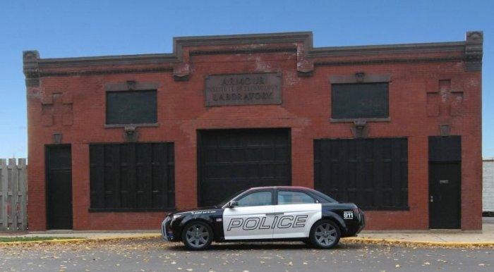 Специальный автомобиль для полиции (13 фото)
