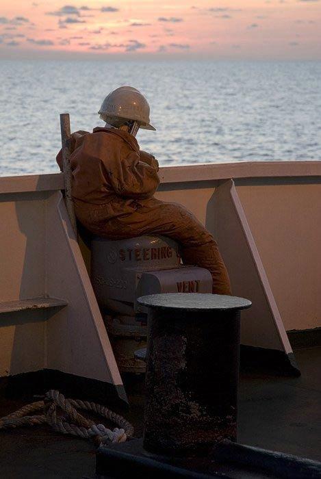 Как борются с сомалийскими пиратами (3 фото)