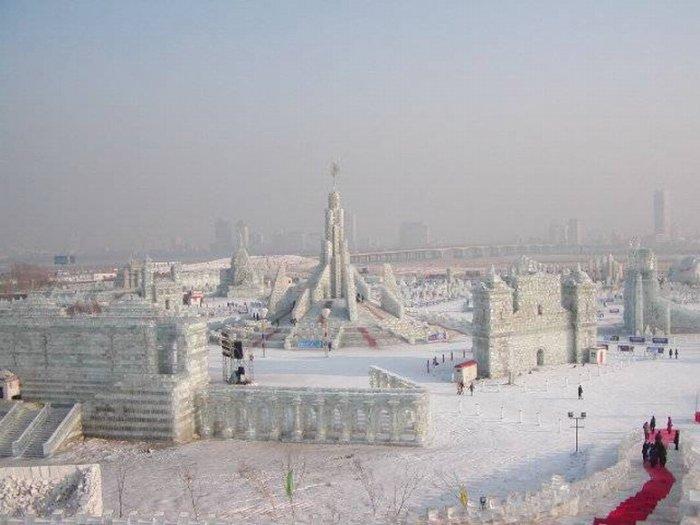 Фестиваль ледяных скульптур (16 фото)
