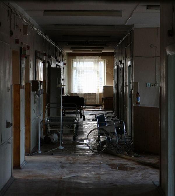 Заброшенная больница (24 фото)