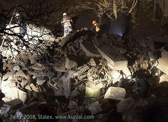 В Евпатории взорвался дом (32 фото)