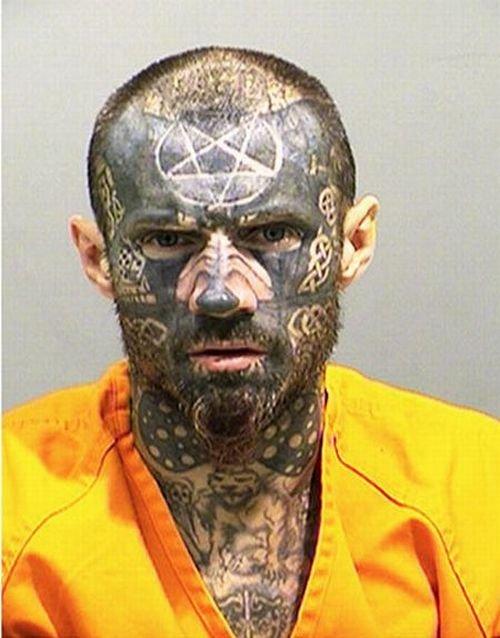 Человек-татуировка (4 фото)