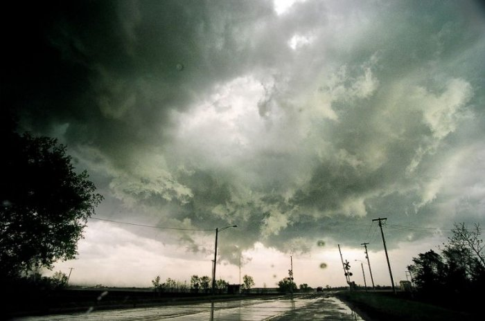 Охотник за торнадо (32 фото)