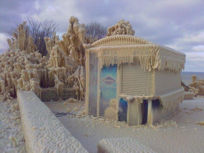 После зимнего шторма (13 фото)
