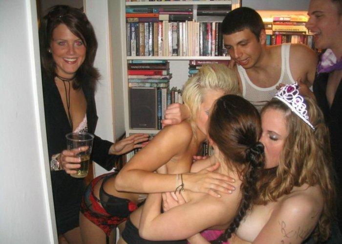 Студенческая вечеринка (18 фото)