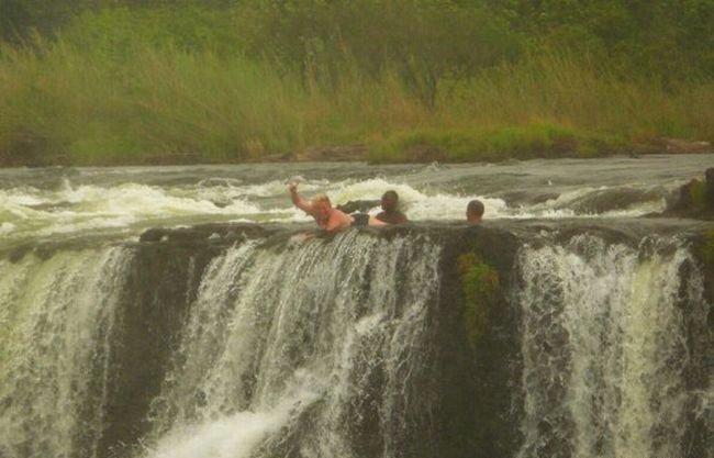 Экстимальное купание (8 фото)