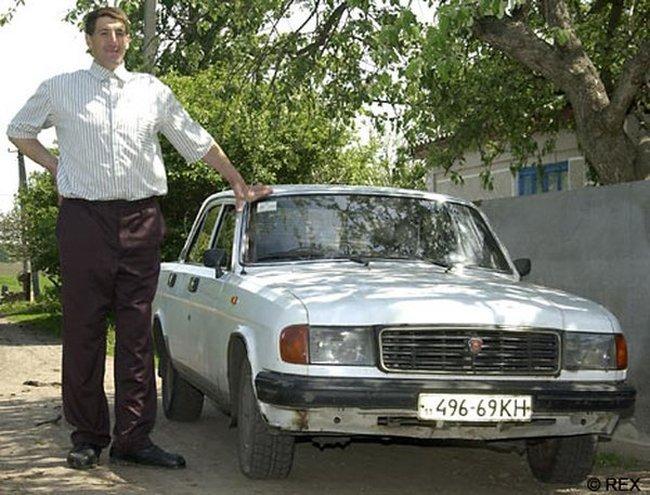 Машина и велик для гиганта (7 фото)