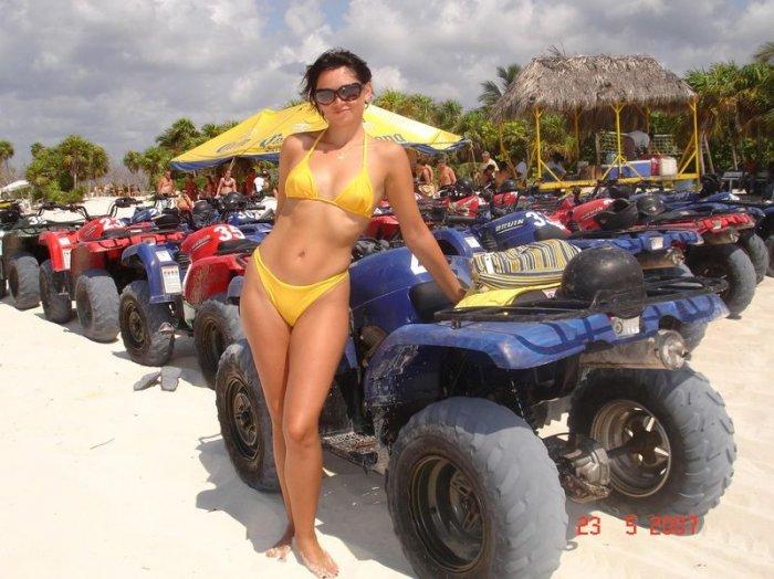Подборка пляжных девушек! (30 фото)