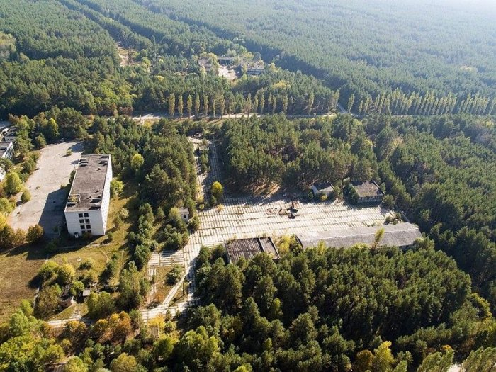 Радиолокационная станция Дуга возле Чернобыля (21 фото)