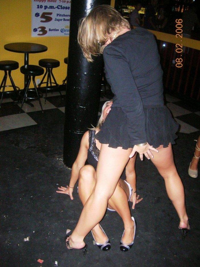 Девушки веселятся (48 фото)
