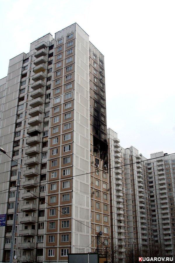 Пожар на улице Академика Королева (9 фото)