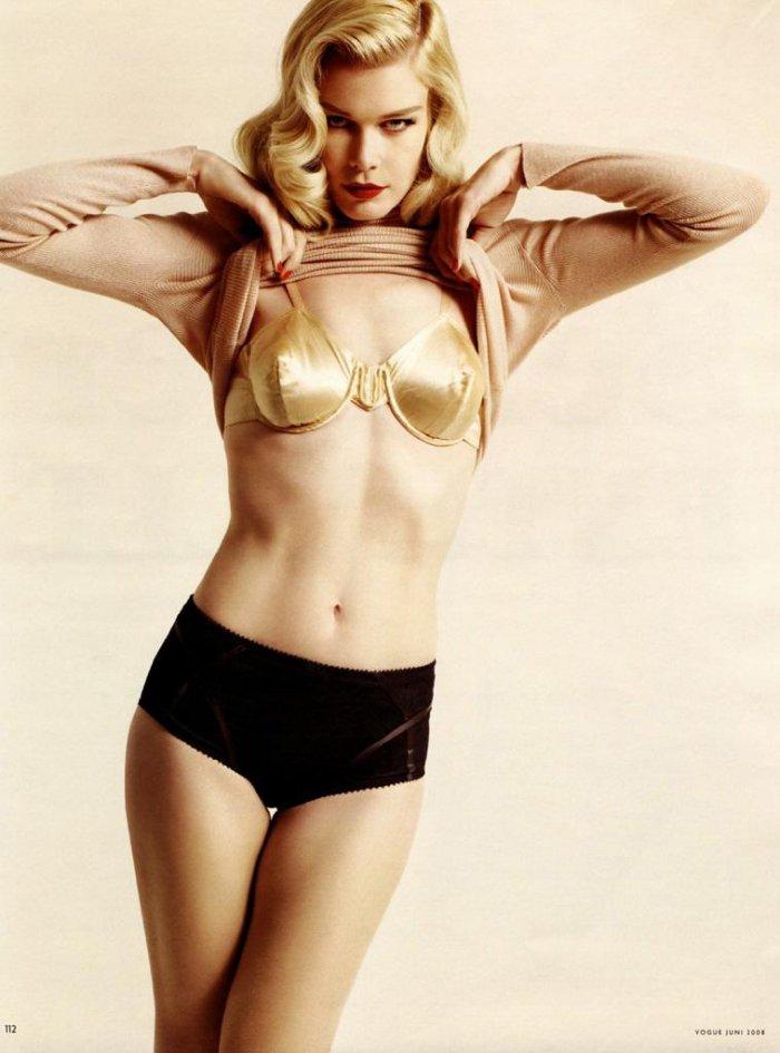 Клаудия Шиффер в журнале Vogue за июнь (10 фото)