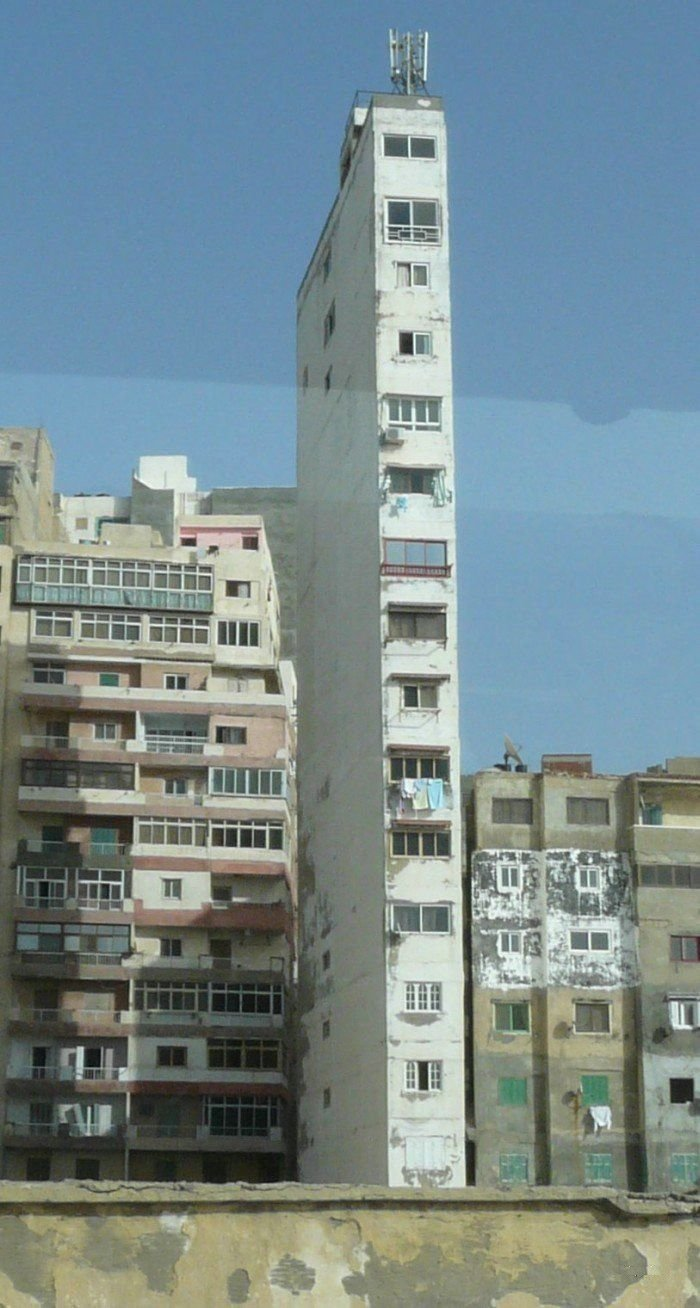 Жесть! Кто это построил??? (3 фото)