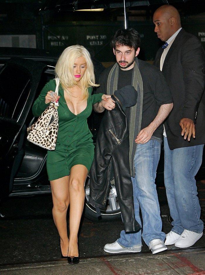 Кристина Агилера и её груди:-) (12 фото)