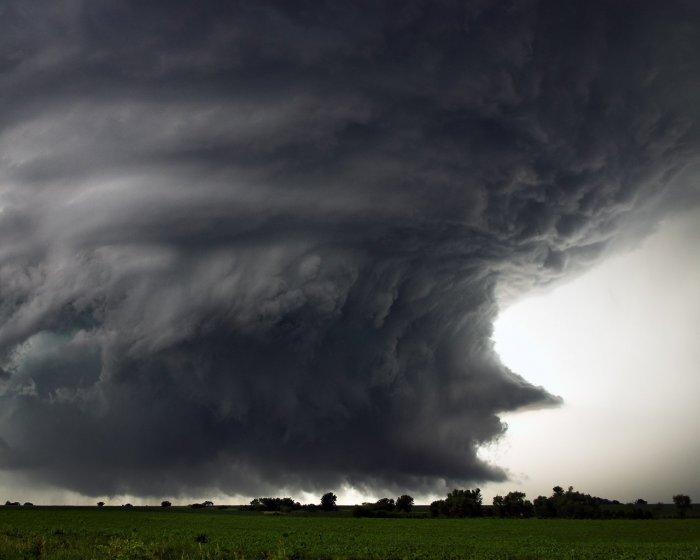 Торнадо - страшная сила природы! (9 фото)