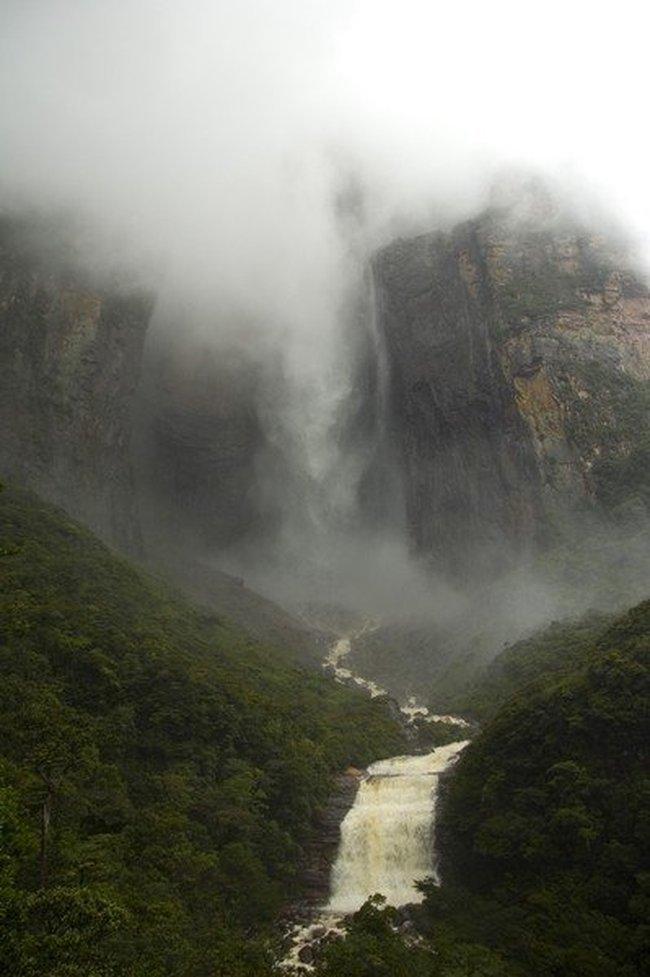 Самый высокий водопад в мире (20 фото)
