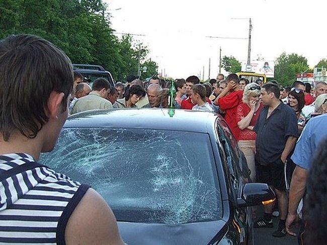 Пьяный мент сбил 2-х человек (5 фото + видео)