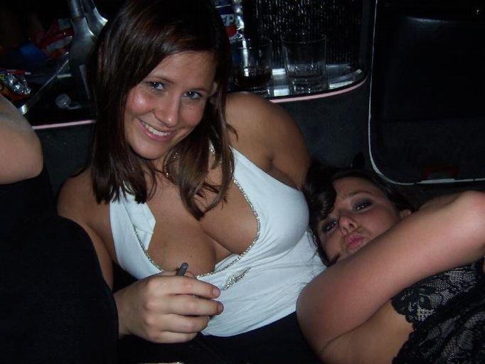 Подборка отдыхающих девушек (80 фото)