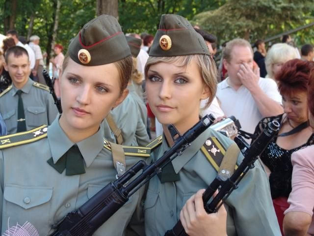 http://www.zagony.ru/admin_new/foto/2008-6-27/1214564119/vypusknojj_2008_45_foto_15.jpg