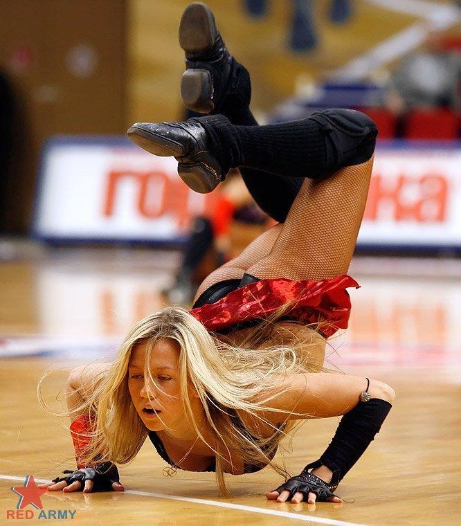Русские девушки из групп поддержки (41 фото)