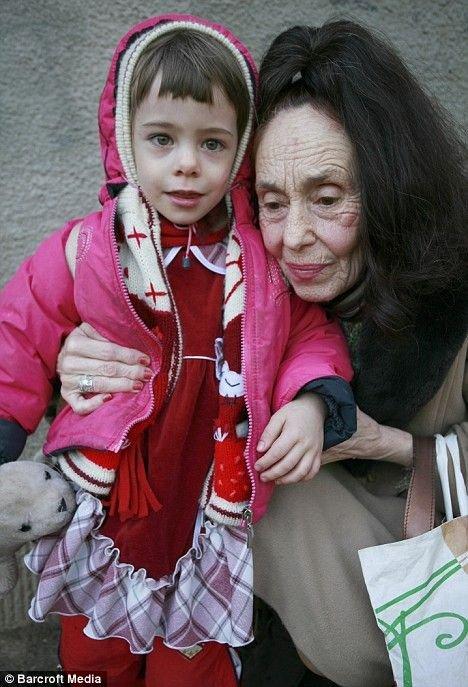 Самая старая мама на свете (5 фото)