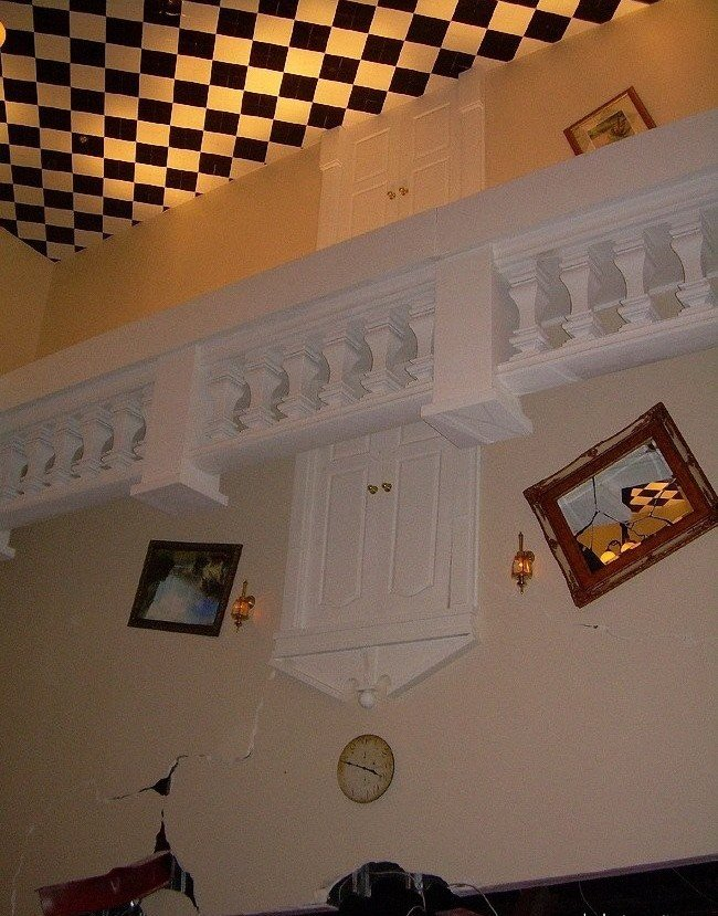 Отель вверх ногами! (13 фото)