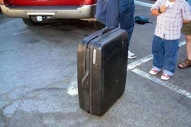 Угадайте, что в этом чемодане? (7 фото)