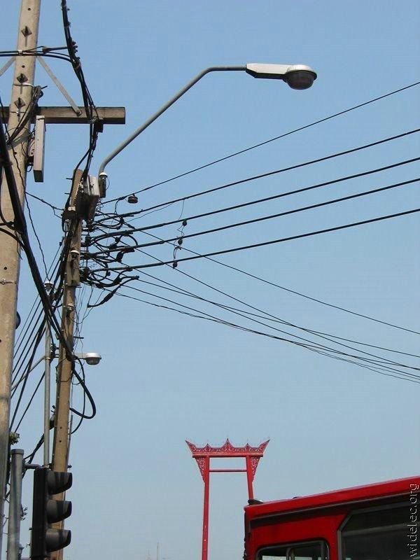 Мастерство прокладки кабеля в Китае (25 фото)