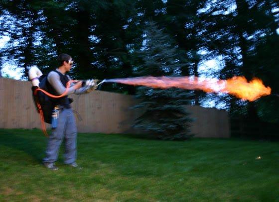 Огнемет за 100 баксов (32 фото)