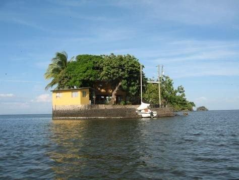 Квартира в остров Цивили на берегу моря