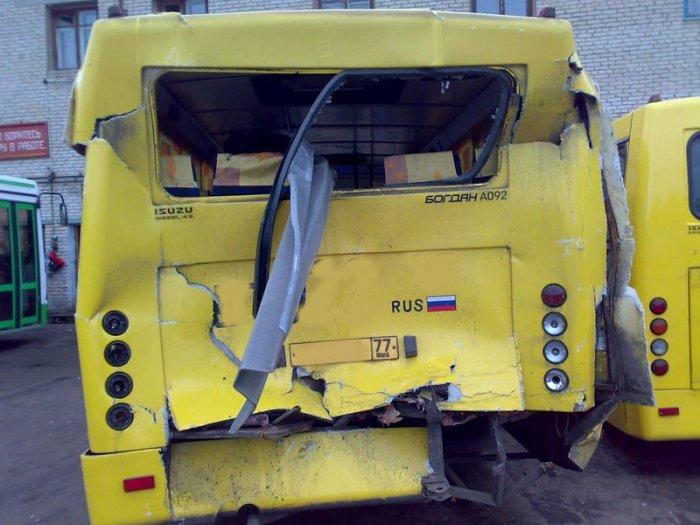 Невероятно фартовая авария! (5 фото)