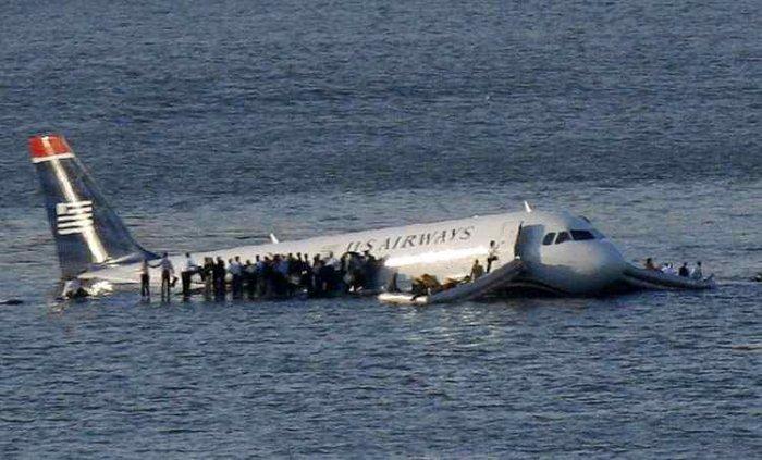 Вчера упал самолет (25 фото + текст)