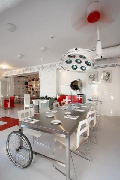 Ресторан в Латвии (16 фото)
